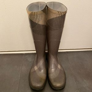 Authentic Burberry Large Check Gray Rain Boots 38